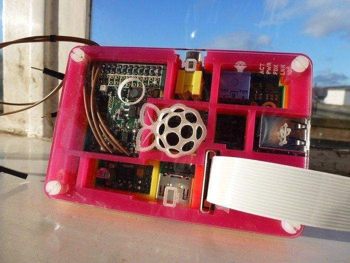 MoPi i Raspberry Pi w obudowie