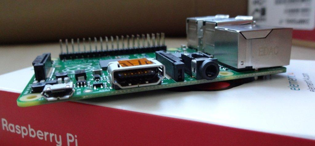 Raspberry Pi Model B+ - złącza dźwięku i wideo