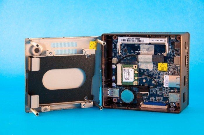 Gigabyte GB-BXBT-1900 - montaż dysku twardego