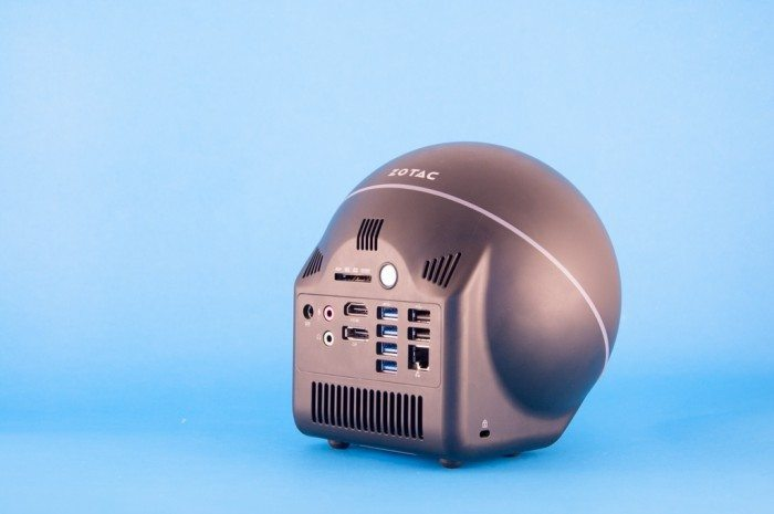 ZBOX Sphere OI520 Plus - otwory wentylacyjne
