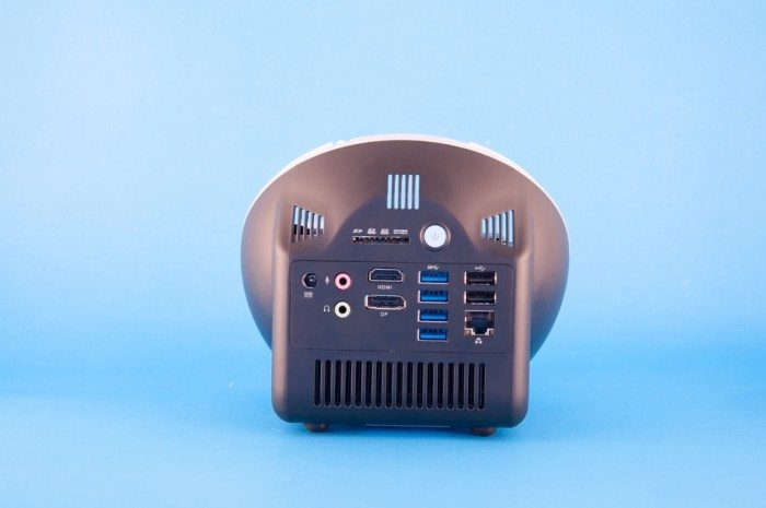 ZBOX Sphere OI520 Plus - porty