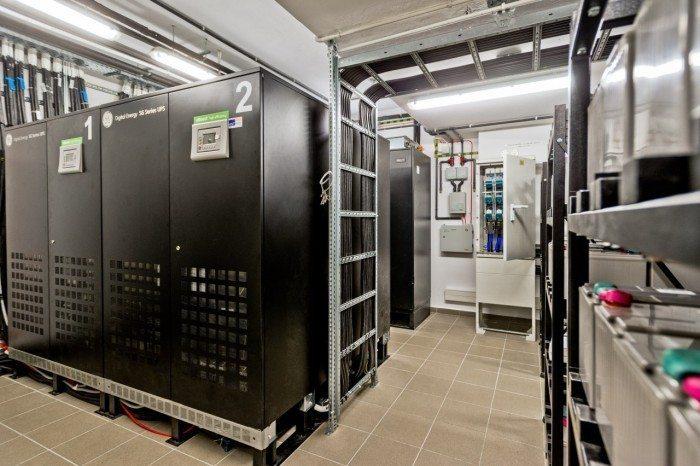 Centrum Informatyczne Świerk - baterie akumulatorów 4