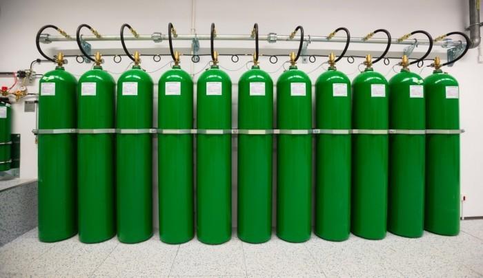 Centrum Informatyczne Świerk - butle systemu gaśniczego 2