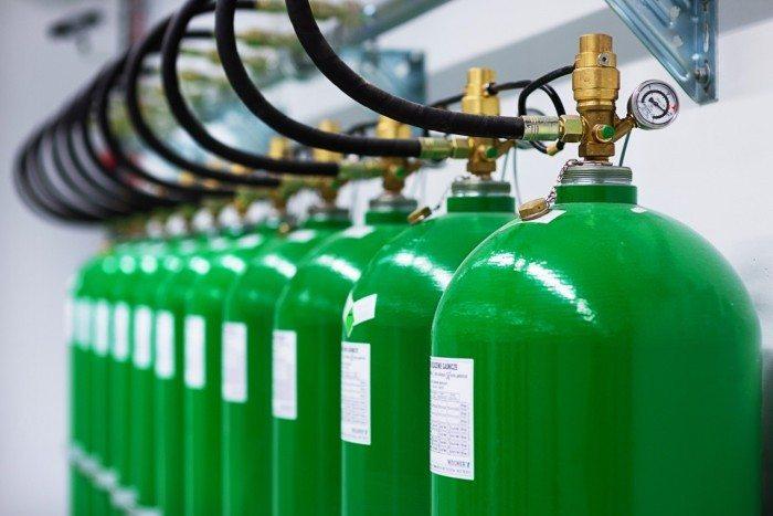 Centrum Informatyczne Świerk - butle systemu gaśniczego 3