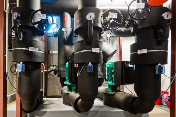 Centrum Informatyczne Świerk - pompy obiegu zewnętrznego z glikolem