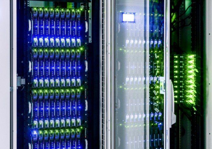 Centrum Informatyczne Świerk - szafy podświetlone 2