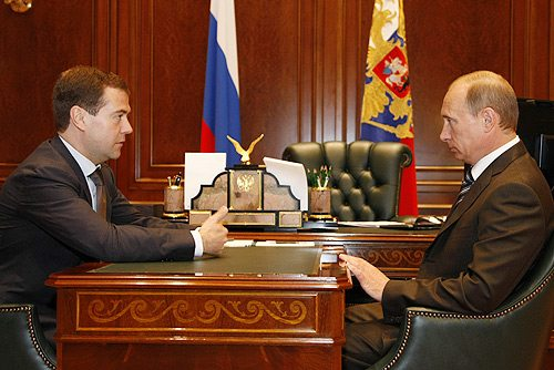 Dmitry Medvedev oraz Vladimir Putin