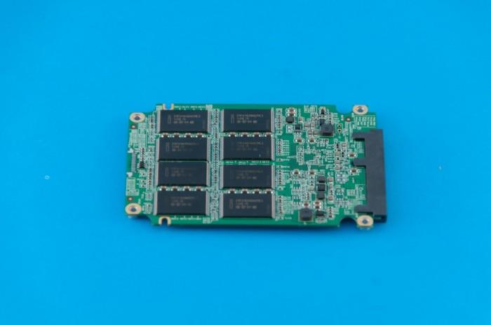 Dysk SSD - pamięci