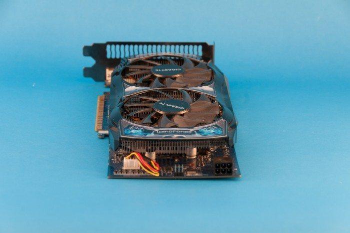 Gigabyte GeForce GV-N450OCL-1G - zasilanie