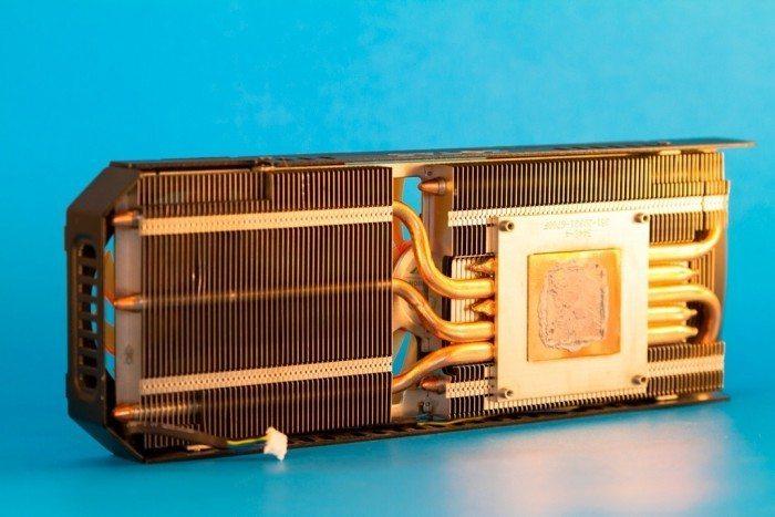ZOTAC GeForce GTX 780Ti AMP! Edition - chłodzenie od wewnątrz