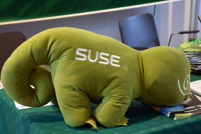 Open Source Summit 2015 - SUSE i maskotka