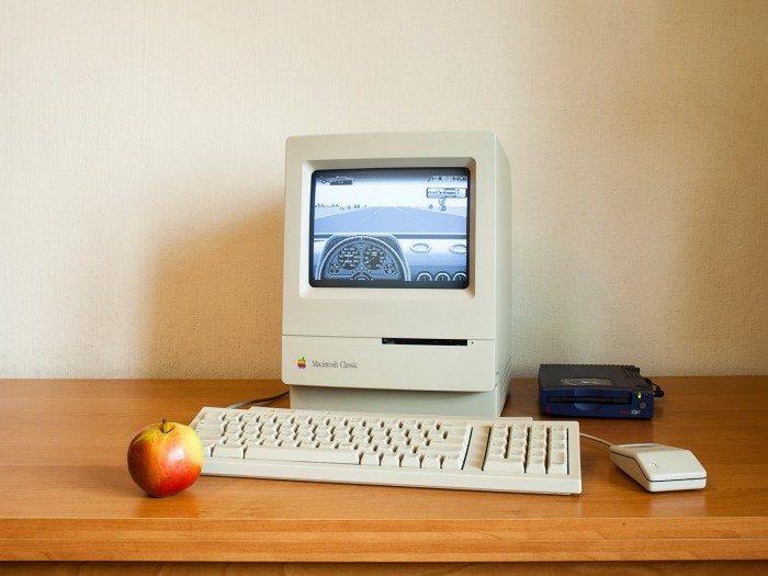 Retroboat - Apple Macintosh Classic