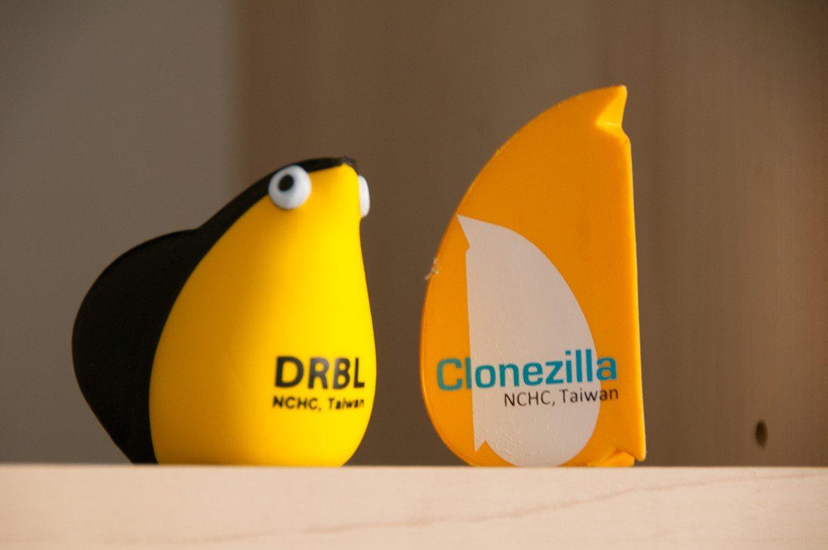 Zabawki od Clonezilla
