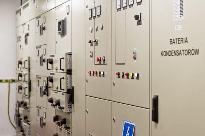 Centrum Informatyczne Świerk - elektryczne szafy rozdzielcze
