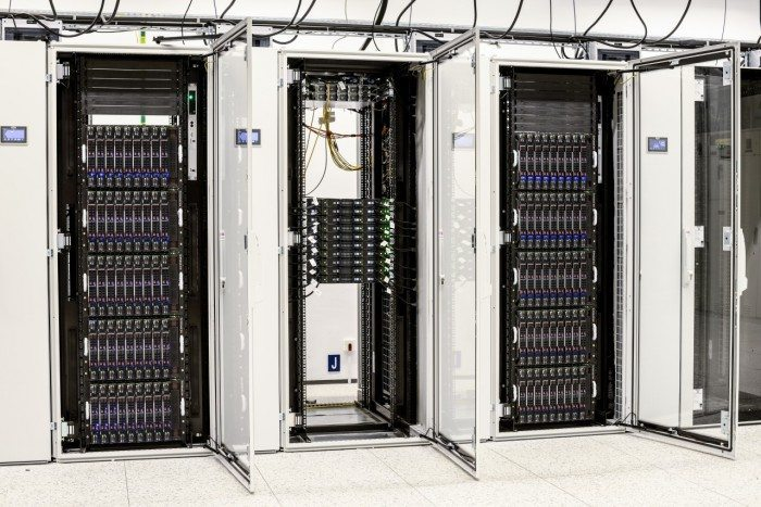 Centrum Informatyczne Świerk - szafy 4