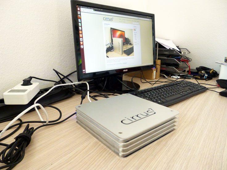 Cirrus7 Nimbus - uruchomiony komputer z Ubuntu