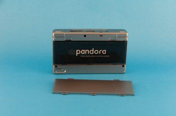 OpenPandora - włożona bateria